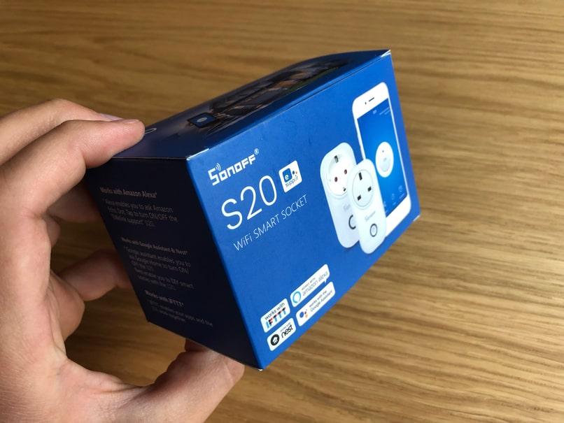 Chytrá zásuvka Sonoff S20