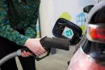 Čerpání vodíku do nádrže automobilu