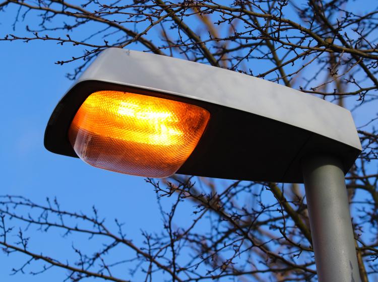 Starší výbojkové osvětlení