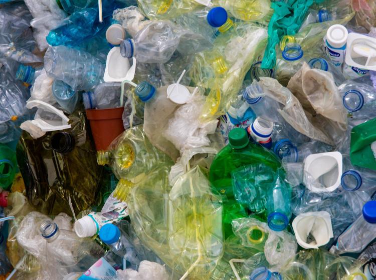Odpad z jednorázových plastů