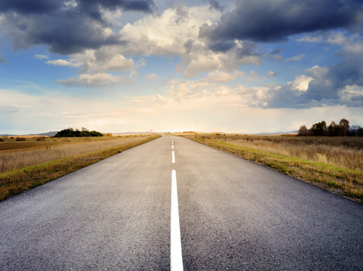 Asfaltová silnice