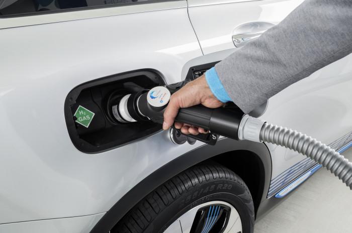 Čerpání vodíku do automobilu