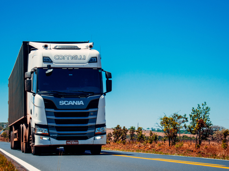 Kamion přepravující zboží
