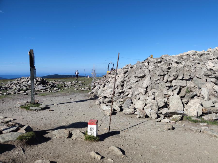 Stavba rozhledny na vrcholu Králického Sněžníku