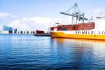 Kontejnerová loď v přístavu