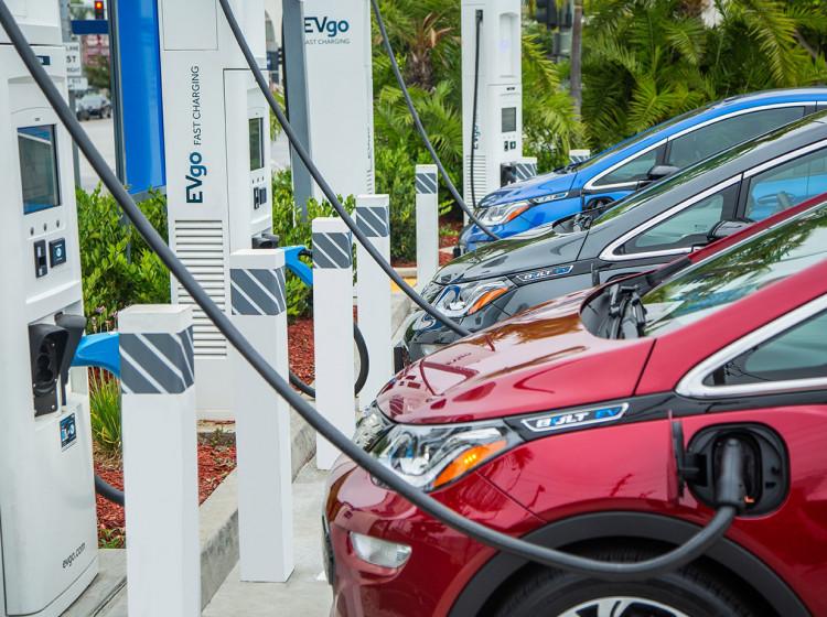 Nabíječky elektromobilů EVgo