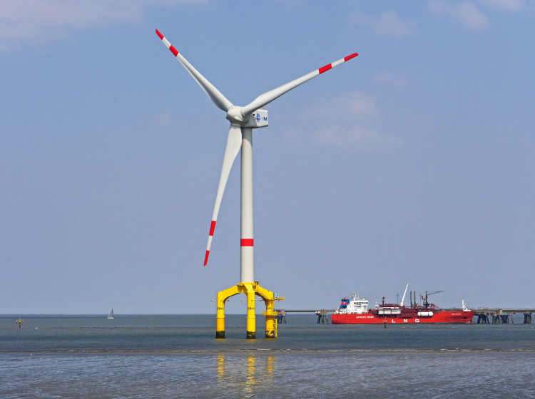 Větrná turbína na moři