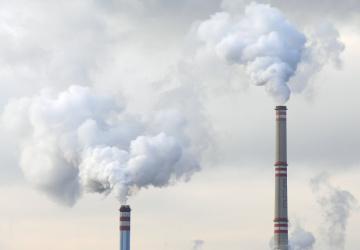 Kouř z uhelné elektrárny