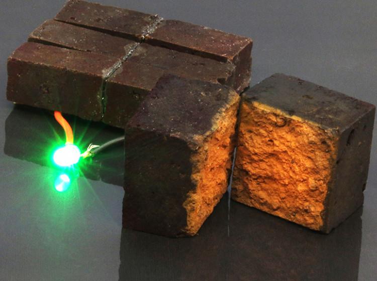 Cihla, která ukládá elektrickou energii